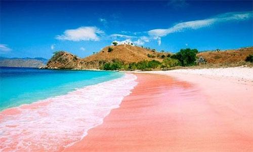 pantai-tiga-warna